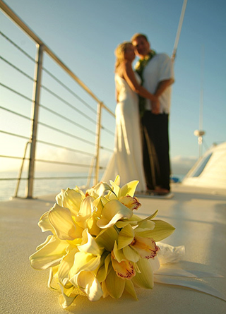 Cruise and Travel Report Wedding Couple and Flower